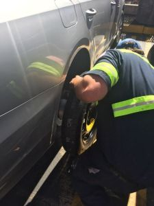 car-or-truck-flat-tire-change-seattle